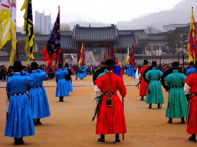 palace-guards-south-korea